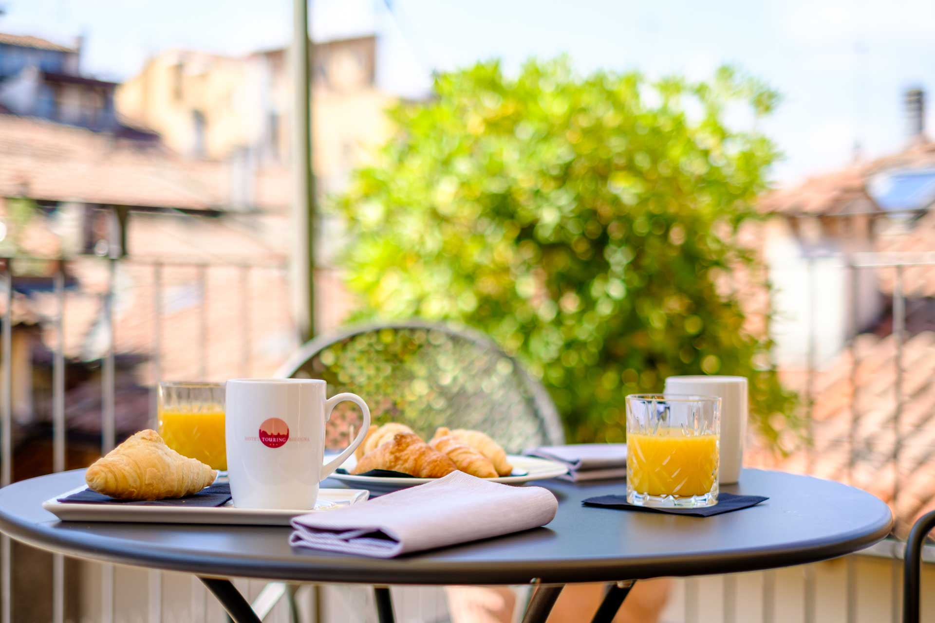 Hotel-Touring-in-centro- a-Bologna-camere-con-terrazza